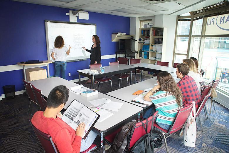 เรียนภาษาแคนาดา , เรียนต่อแคนาดา ,เรียนโตรอนโต  ,เรียนมอนทรีออล ,Kaplan