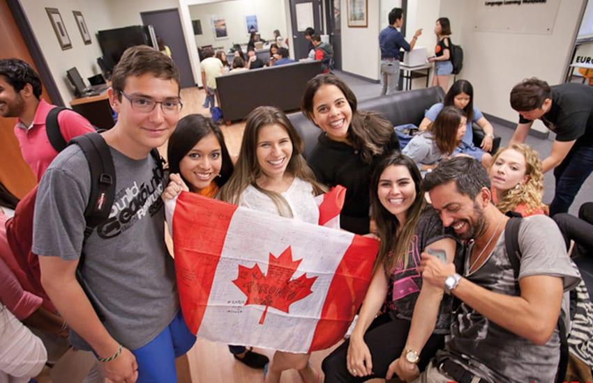 เรียนต่อแคนาดา ,เรียนภาษาแคนาดา , เรียนภาษาที่แวนคูเวอร์  , เรียนภาษาโตรอนโต